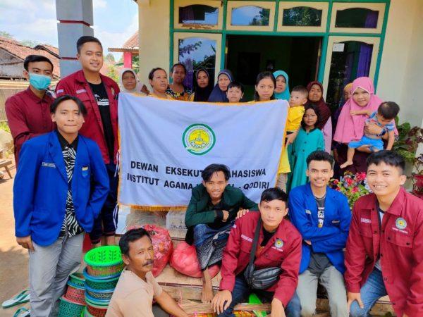 DEMA IAI Al-Qodiri Jember melakukan Proyek Kemanusian di Kecamatan Panti